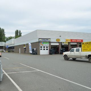 Lakeland Automotive service bays